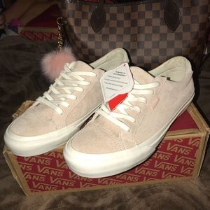 Vans Shoes - Same day shipping📫New suede Vans